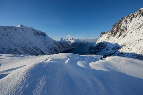 Vue du Ørnfjorden en hiver, Senja Norvège